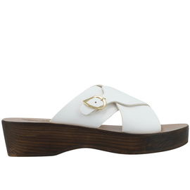 White / Chestnut Heel
